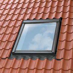 Velux fen tre velux guide sur les fen tres de toit for Store velux exterieur