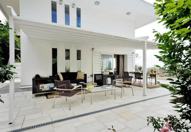 pergola corradi le mod le iridium toile retractable. Black Bedroom Furniture Sets. Home Design Ideas