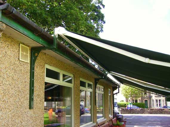 Support pour fixer un store de terrasse sur les avanc es - Fixer un store banne ...