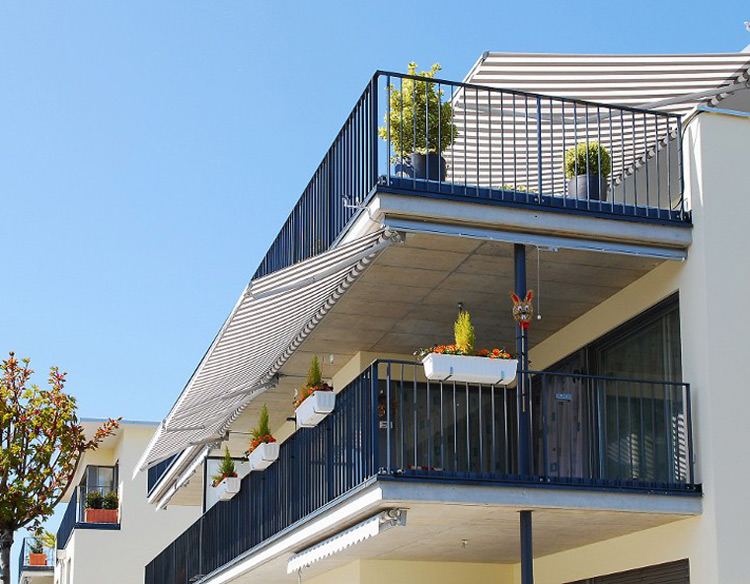 Awning balcony apartement for sun